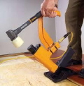 Where to rent NAILER,HARD FLOORING AIR in Green Bay WI